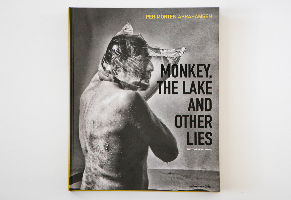 Per Morten Abrahamsen, review, photography,  om fotografi, foto bog, the lake and other lies